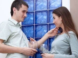 Flirting Tips You Can Use | Second Date Tips You don't have to be a movie star look-alike to sizzle and dazzle the opposite sex. All you need is a genuine sweet looking smile plus a few irresistible flirting tips. - See more at: http://www.seconddatetips.org/flirting-tips-you-can-use/#sthash.4GnDXdhZ.dpuf