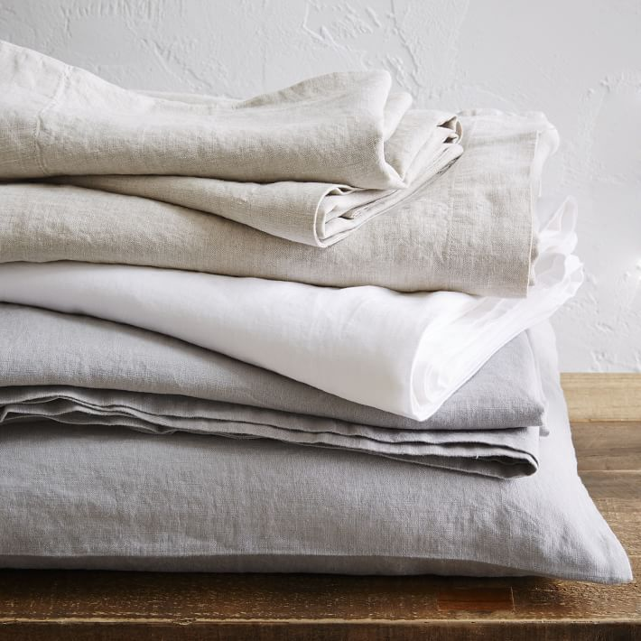 Mix and match sheet sets to coordinate with pillows and modern quilts, no matter the color or pattern. West Elm's cotton and linen sheet sets are designed to get softer with every wash. Our collection of sheet sets includes solids, polka dots, stripes and more unique patterns.