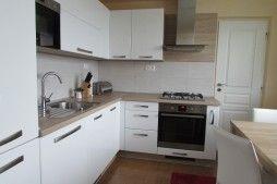 kuchyňa Elis biela arctic / dub pílený bardolino