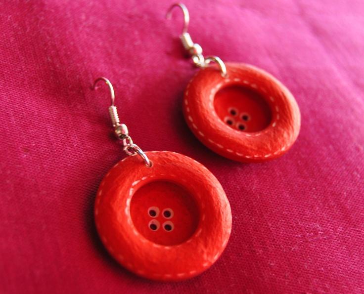 orecchini bottoni rossi  €8,00 Bigiotteria artigianale