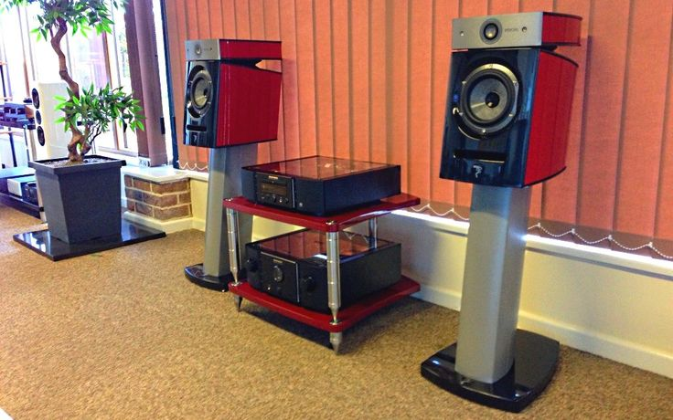 BASSOCONTINUO Reference Line model ACCORDEON Proteo Red with Focal at Jordan Acoustic (UK)