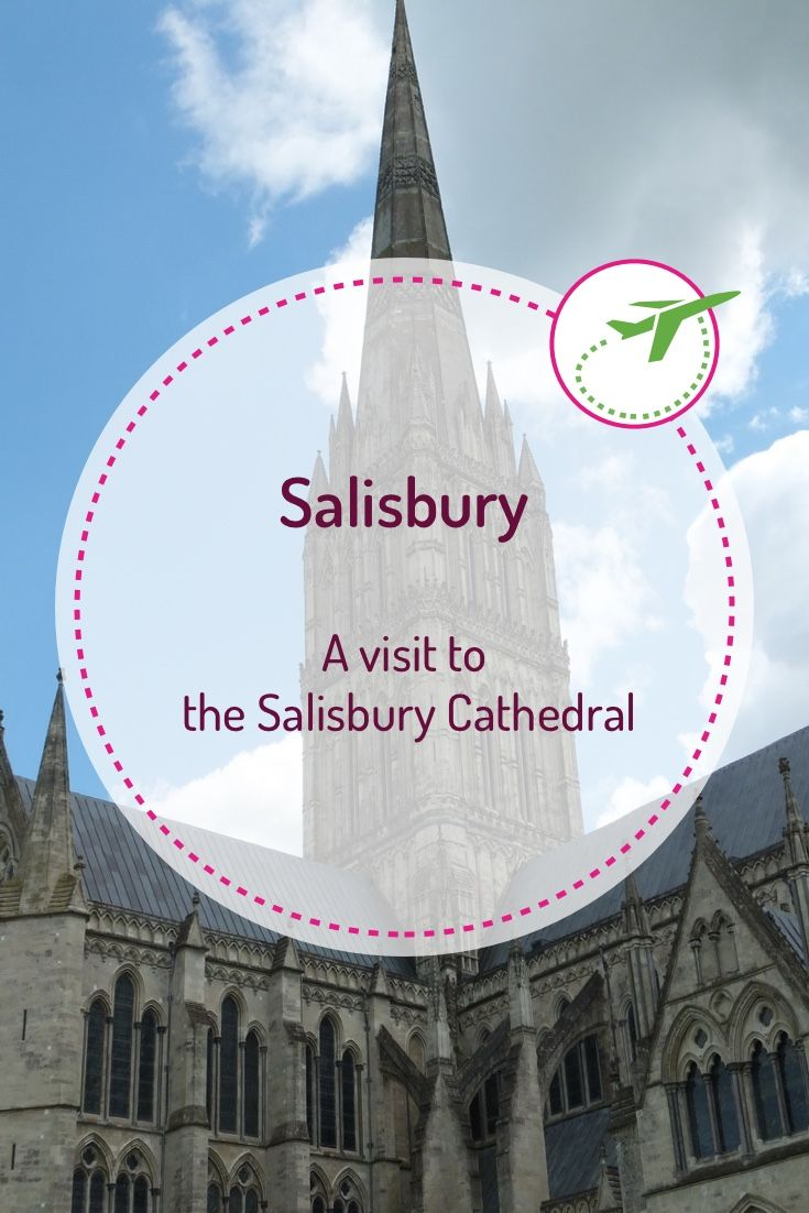 The Salisbury Cathedral is an Anglican cathedral and bishop's see. Of course, we wanted to visit it too on our trip to Salisbury. The building was constructed in a very short time in the early English Gothic style.