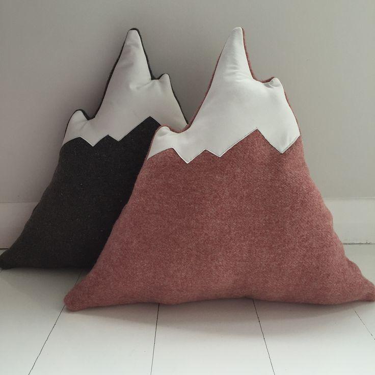 Snowy Peak cushion