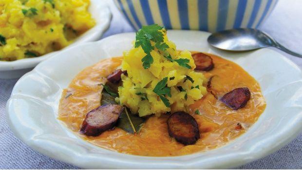 Zelňačka se šťouchanými brambory  | Fermented Cabbage Soup