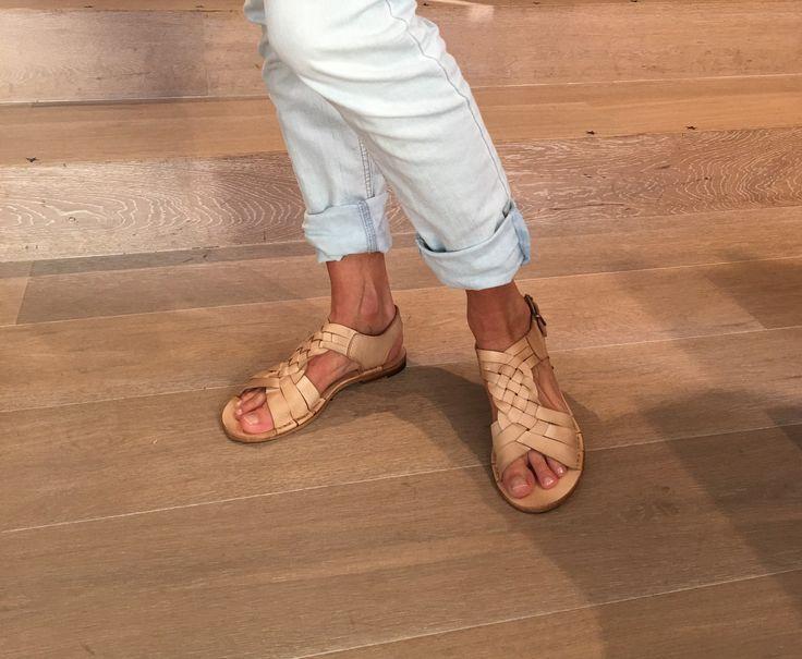 Sandali in pelle naturale Punto Pigro