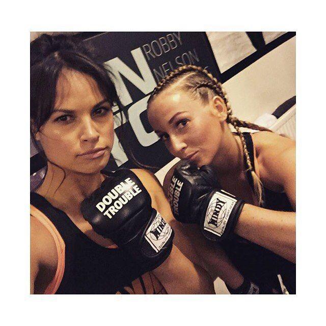 45 vind-ik-leuks, 8 reacties - Anne Mestrom (@annemestrom) op Instagram: '😱 #boksing #braids #robbynelson #rntc'