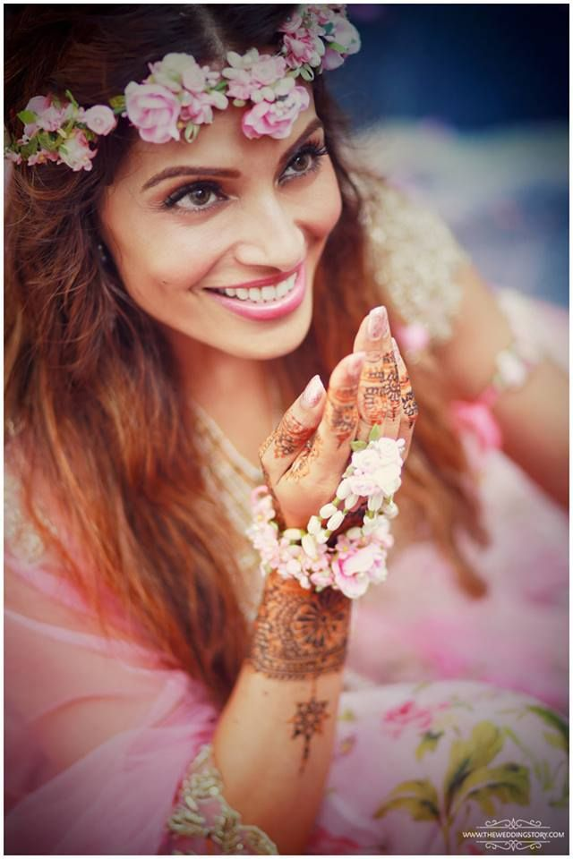 Bipasha was every girl's dream in an Anushree Reddy #outfit for her mehendi ceremony   #BipashaKaranWedding