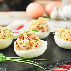 Eggs stuffed with crab