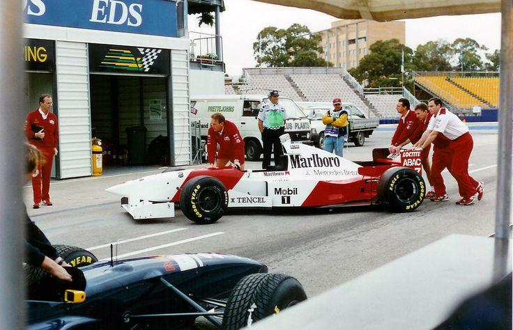 (Mark Blundell's) McLaren MP4/10B - Mercedes-Benz FO110, 3,499 cc (213.5 cu in), 75° V10, NA, mid-engine, longitudinally mounted (Australia 1995)
