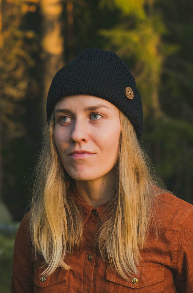 Hipster hiking outfit, black beanie and copper flanel. Summer outfit with a beanie for Women.