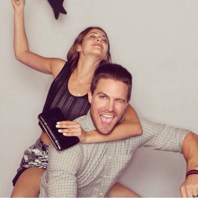 Willa Holland and Stephen Amell #Arrow #SDCC