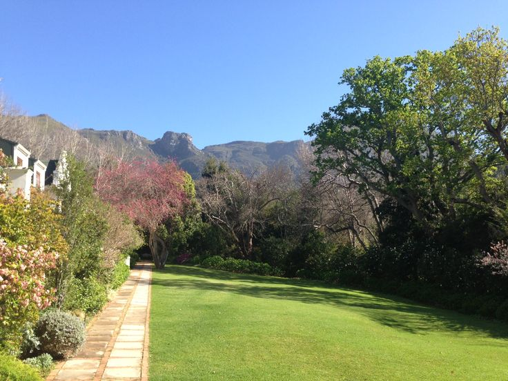 The lush lawns at The Cellars-Hohenort are perfect for a Spring stroll at the moment! The warmer weather has certainly arrived in Cape Town.