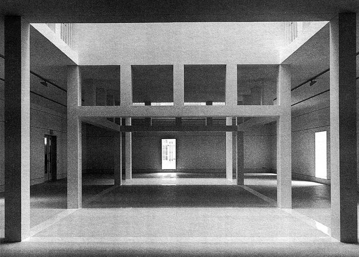 Oswald Mathias Ungers   Mueso Alemán de Arquitectura (deutsches architekturmuseum)   Frankfurt, Alemania   1979-1984