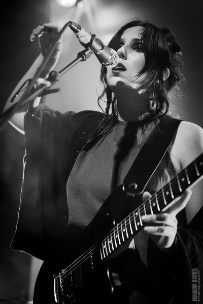Chelsea Wolfe photos of CW at Le Brass in Belgium 13 augustus 2014