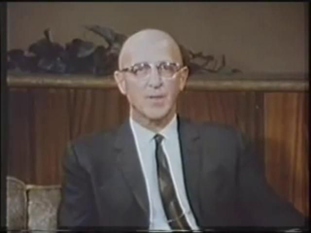 carl rogers and gloria This is a tape of a counselling session between carl rogers and gloria carl rogers uses person centred approach humanistic style of counselling this is the first part of about 5/6 videos.