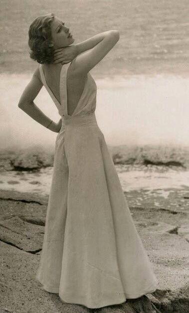 Loretta Young wearing 1930s beach pajamas.