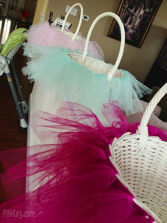 Easter basket ideas, tutu easter basket tutorial, Rustic Easter craft ideas, Easter table decor  #Easter #ideas #holiday www.loveitsomuch.com