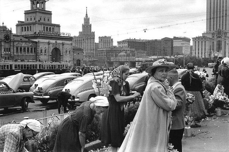 журнал «Life» фоторепортаж Анри Картье-Брессона «Люди России». 1955г. Moscow, 1955.