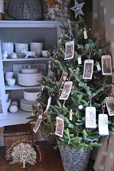 Absolutely must do this next year! A 'Memory Tree' for Mom
