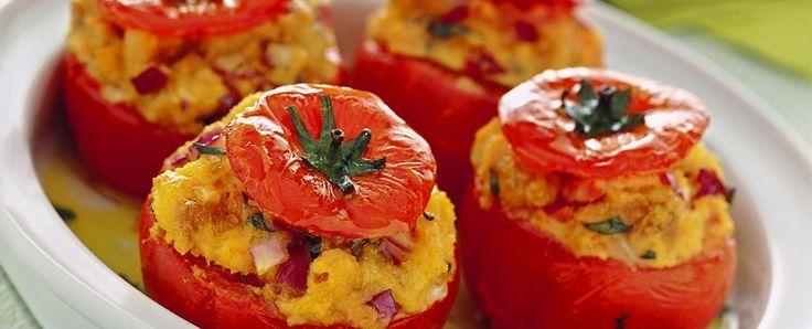 Pomodori con ripieno di panzanella Sale&Pepe ricetta