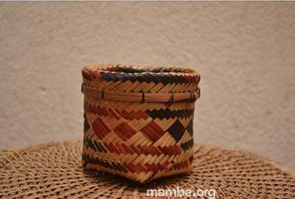Pequeño cesto Cubeo tejido en tirita. ( Vaupés- Colombia) #Artesanias Cómpralo en Mambe.org!