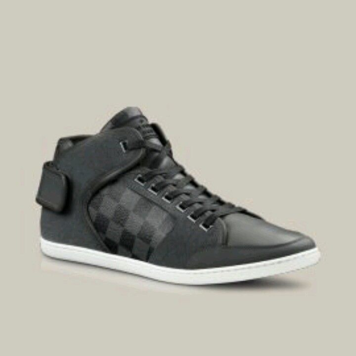 Louis Vuitton CUT BACK SNEAKER IN DAMIER CANVAS. $695