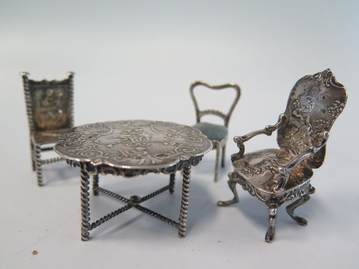 Silver Dutch Dolls House Furniture est £100-£140