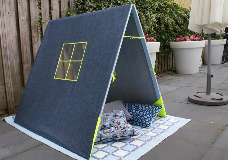 More on this DIY play-tent on my blog via Bubblemint.nl #creativemamas