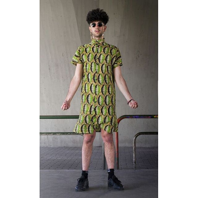 Camisa tipo vestido con batik africano.    Fotografía @a.n.nar   Modelo @borjabuche   Costuras @lapili_   #shirt #handmade #clothing #jewelry #dress #african #batik #fabric #design #bejo #jewelry #afro #style #dope #street #dopestyle #manclothes #hiphop #wear  #artist #estilista #diseño #lapili