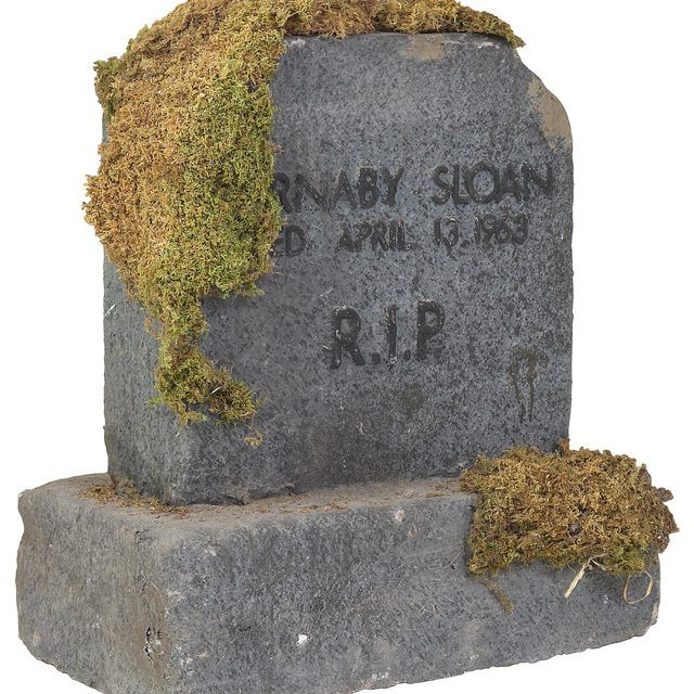 How To Clean A Granite Headstone Synonym Granite Headstones Headstones Cleaning Stone