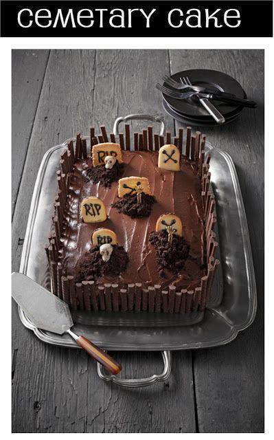This Halloween cemetery cake is soooo cute