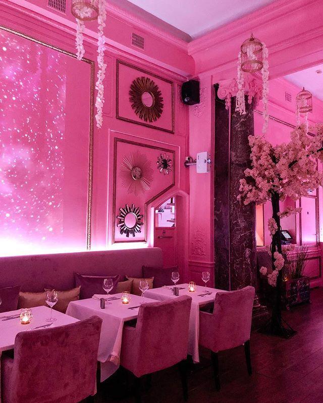 La Parisienne Louise Laparisiennelouise Instagram Foto S En Video S Glam Room Instagram Barbie Dream