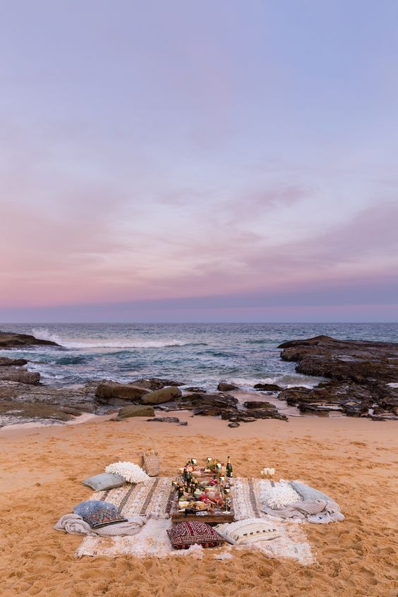 Romantic beach picnic ideas