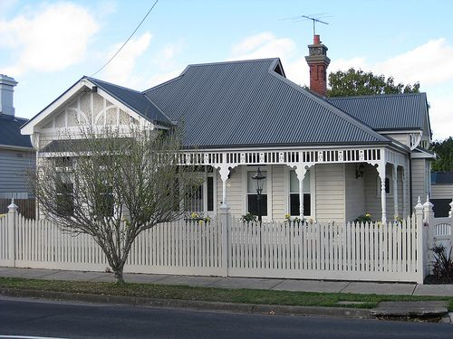 A Large Queen Anne Style Villa - Essendon