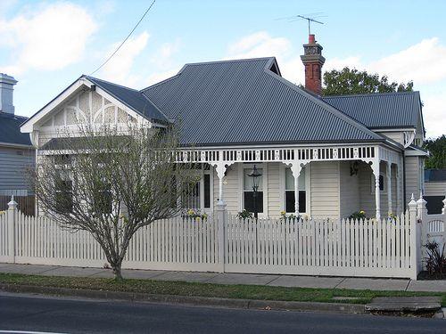 A Large Queen Anne Style Villa - Essendon