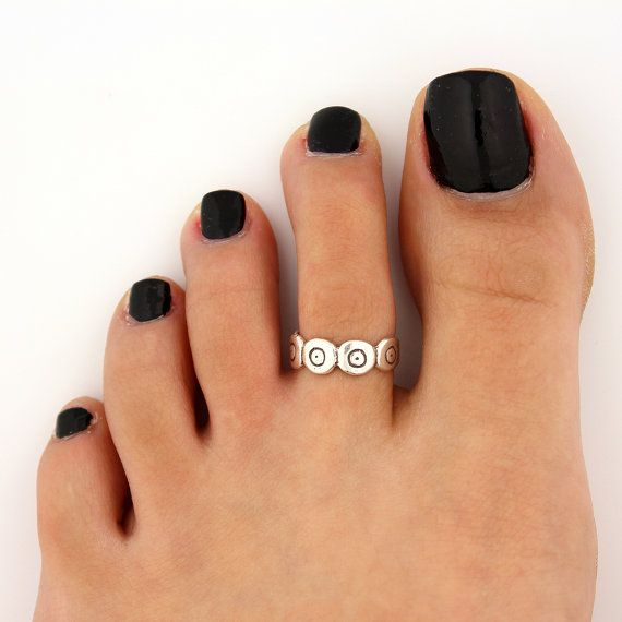 toe ring sterling silver toe ring flower design adjustable toe ring (T-65) Also knuckle ring on Etsy, $12.00