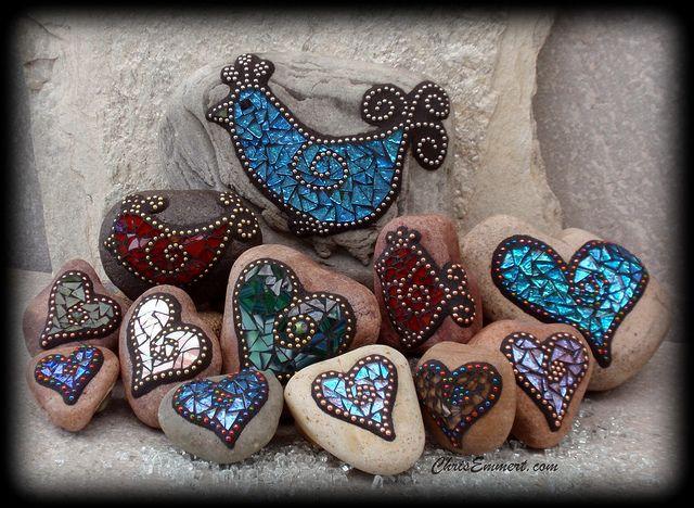 mosaic rocksModern Gardens, Gardens Ideas, Gardens Stones, Mosaics Art, Glasses Tile, Chris Emmert, Birds Of Paradis, Mosaics Rocks, Ball Chains
