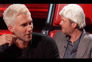 Blake Shelton goes blonde with wig to tease Adam Levine on The Voice