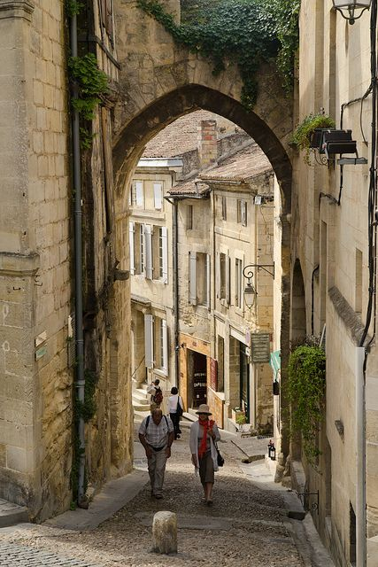 Saint Emilion, in the Bordeaux region of France:  oh, to roam the streets of France for a little while...just to see what you could see...I would love to just wander around a little bit in some place like this.
