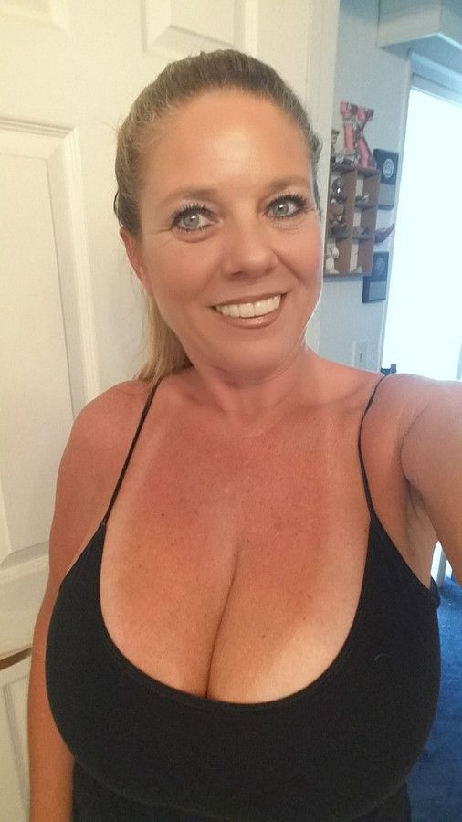 coalville single bbw women My ideal mate is a woman who doesn't judge anyone on there past or what they  look like or what they do for a living but by who that person is a woman that is.