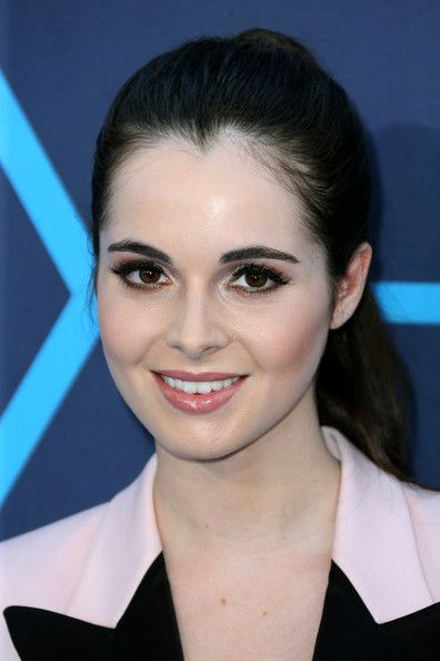 Vanessa Marano Ponytail - Vanessa Marano kept it youthful and cute with this ponytail at the Young Hollywood Awards.