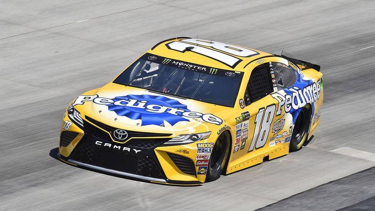 Kyle Busch edges Martin Truex Jr. for Dover NASCAR pole
