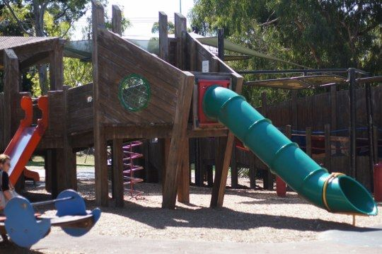 Hays Paddock playground, via Lister St, Kew East http://tothotornot.com/2012/11/hot-hays-paddock-playground-via-lister-st-kew-east/