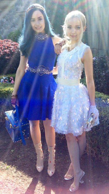 Woods Carson and Dove Cameron behind the scenes