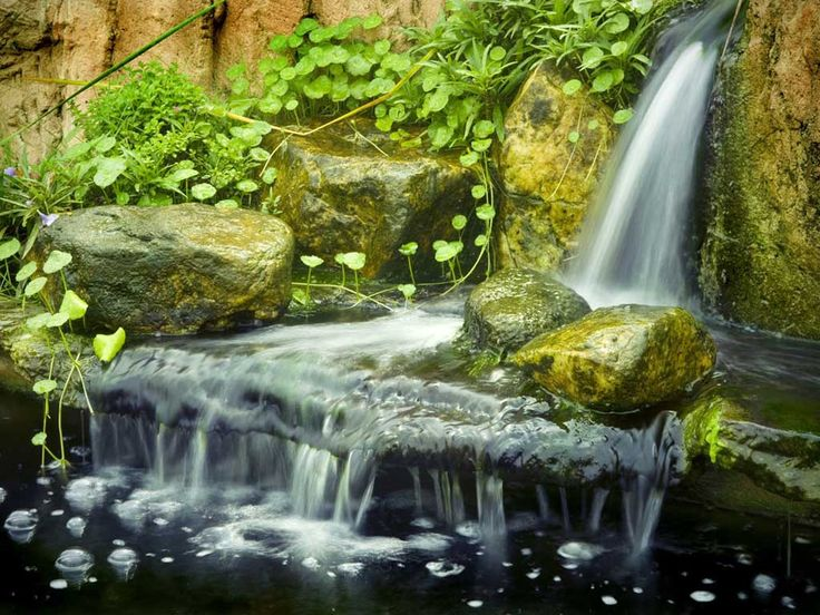 We can create a natural swimming pool waterfall using artificial rock, these rocks are used to surround an entire pool with rock coping or can be used as an amazing water feature with rock caves and waterfalls cascading into your swimming pool or spa.