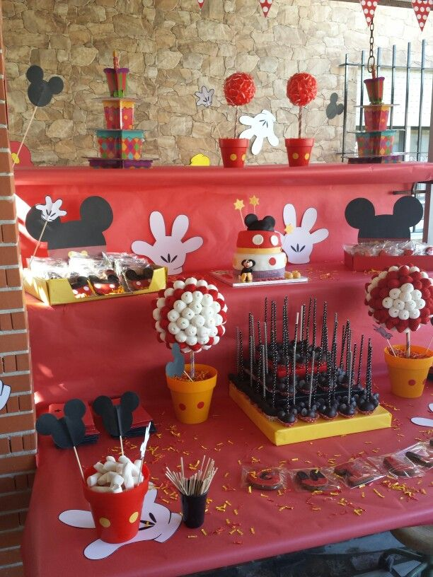 135 best nuestras creaciones images on pinterest jelly for Decoracion de mesas para fiestas