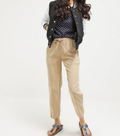 Selected Femme SFNEVIA Spodnie materiałowe beżowe nomad
