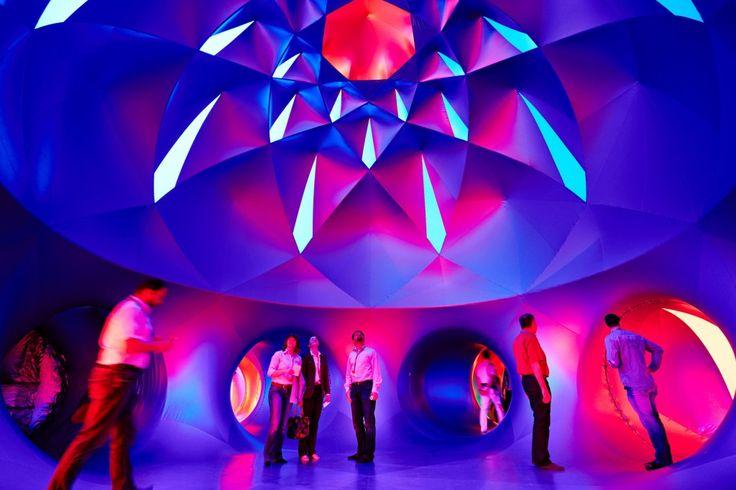Das Luminarium bietet ein Erlebnis aus Licht und Farbe. Foto: Brillux