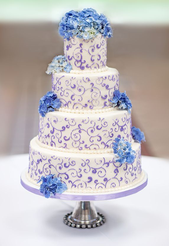 blue hydrangea wedding cakes 432 best purple and blue wedding images on 11991