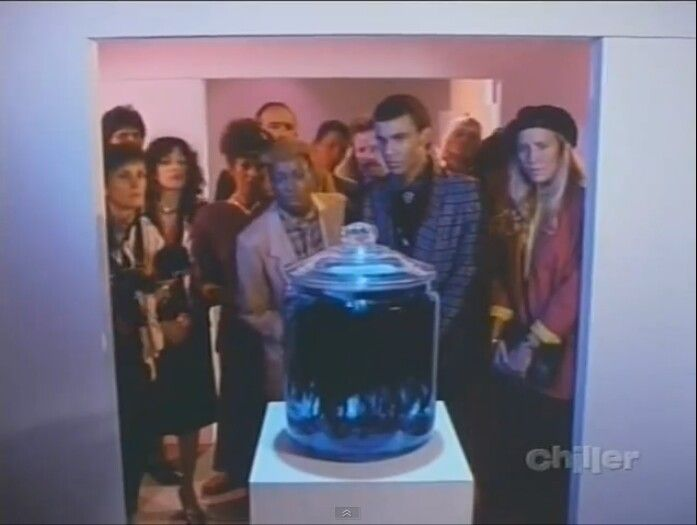 THE JAR. First aired on April 6, 1986, starring Griffin Dunne, Fiona Lewis, Laraine Newman and Stephen Shellen. Teleplay was by Michael McDowell, story by Ray Bradbury. Directed by Tim Burton. A mysterious jar holds an equally mysterious object.
